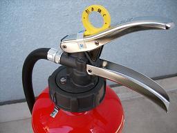 耐食強化ABC粉末消火器(衝頭部)